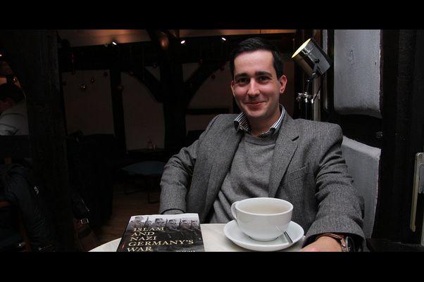 دیوید معتدل نویسنده کتاب اسلام و جنگ آلمان نازی