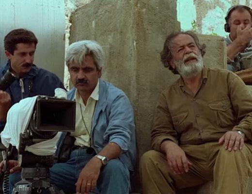 محمدعلی کشاورز در نمایی از فیلم زیر درختان زیتون عباس کیارستمی
